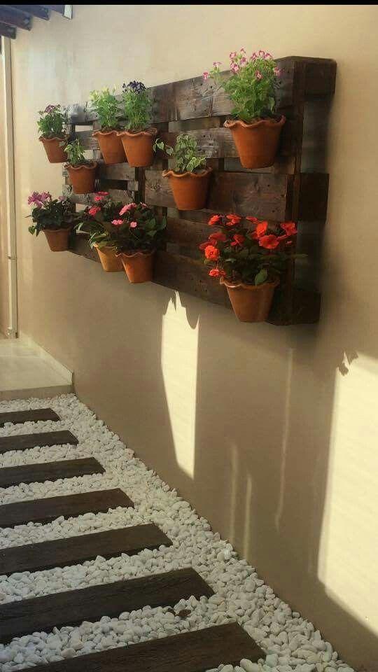 25+ melhores ideias sobre Pallets Jardim no Pinterest Jardinagem com palete, Jardim de palete  -> Decoração Para Jardins Com Paletes