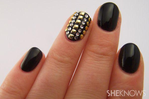 stud nail art tutorial