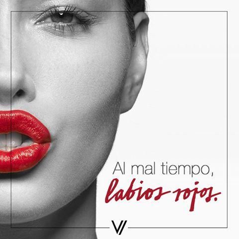 Un labial rojo nunca te falla. #Labios #ActitudVorana #Lips