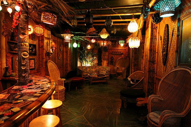 127 best dark tiki party ideas images on pinterest tiki for Decoration bar lounge
