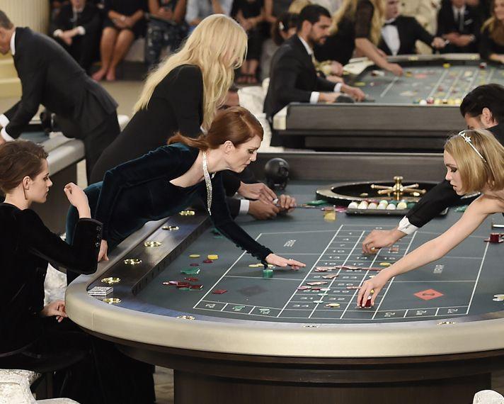 Prezentare de moda sau un joc de noroc pentru Chanel?