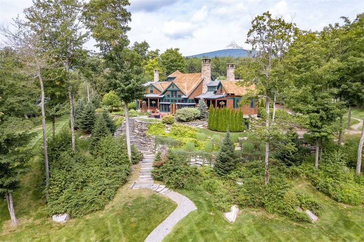 View this luxury home located at 820 Mountain Stratton, Vermont, United States. Sotheby's International Realty gives you detailed information on real estate listings in Stratton, Vermont, United States.