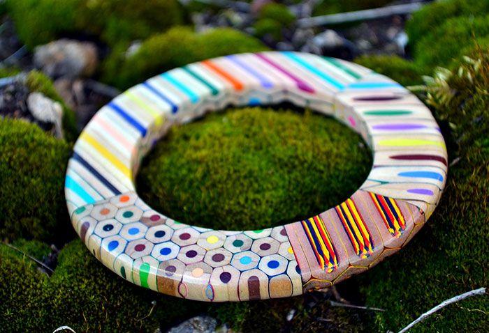 Des-bijoux-avec-des-crayons-par-Anna-curlejova-4