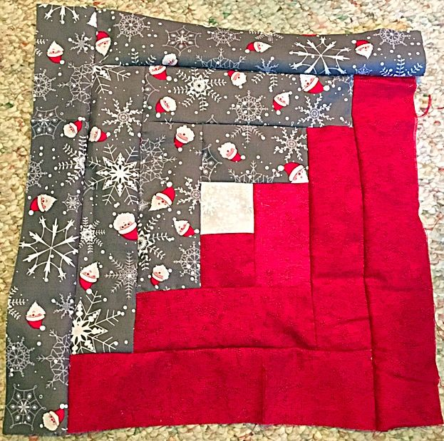 Christmas log cabin square!! #twincedarquilting #handmade #sewing