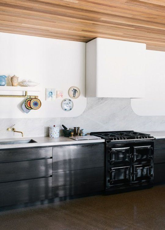 5 Times Traditional Ranges Looked Totally at Home in Modern Kitchens