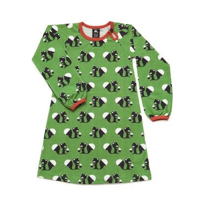 Retro style squirrels in a long olive green dress. Button detail in collar and puffy sleeves by the wrist. 95% Organic Cotton 5% Elastane All Nosh Organics childrens' designs are produced from GOTS certified cotton.