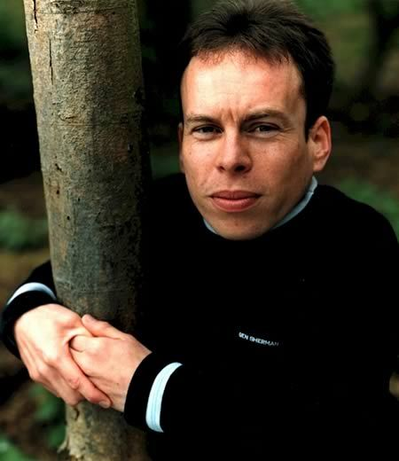 Warwick Davis (February 3, 1970) British actor, o.a. known from the Harry Potter movie series.