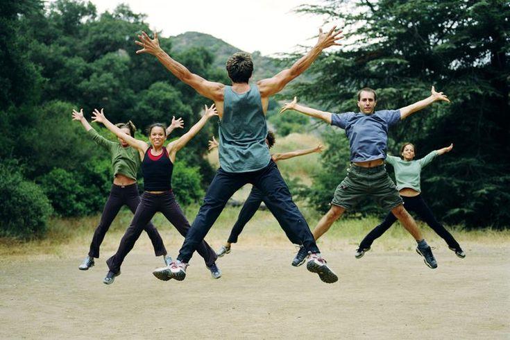 Los mejores programas de entrenamiento para los diabéticos de tipo 2. La Asociación Americana de Diabetes recomienda incorporar ejercicios tanto aeróbicos como de entrenamiento con pesas para el control de la diabetes tipo dos. Los diabéticos obtienen beneficios de la pérdida de peso, de la fuerza ...