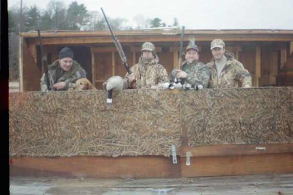 MAN FLOATING DUCK BLIND FOR SALE