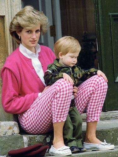 Princess Diana Sweaters - Princess Diana Best Fashion Moments - Good Housekeeping