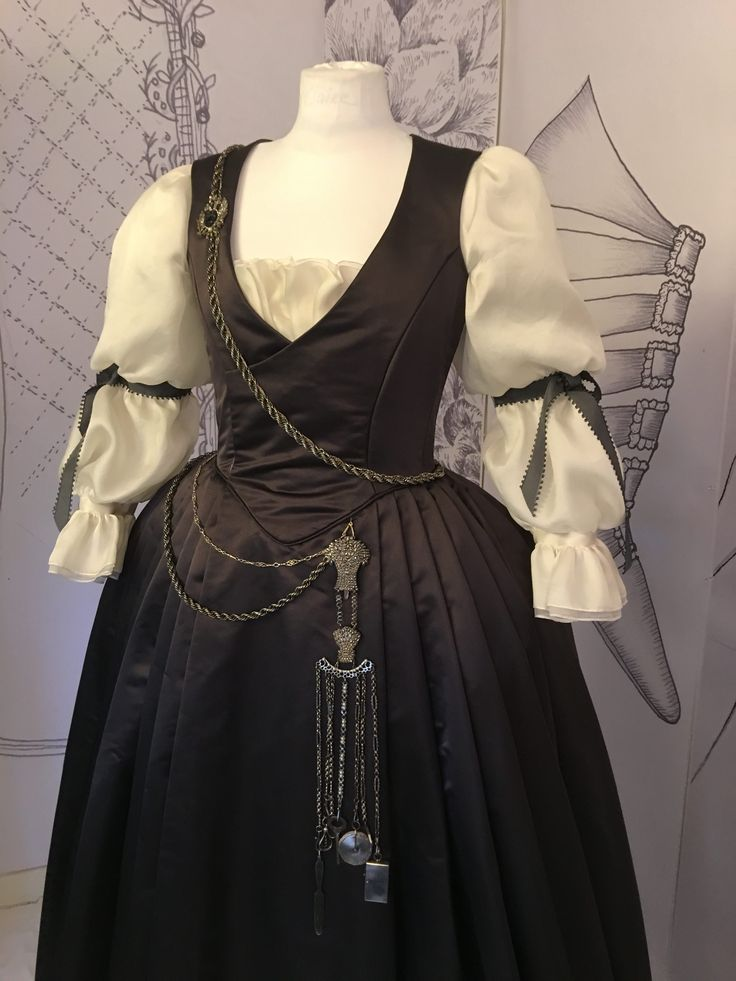 Dress with Chatelaine, designed by Terry Dresbach for outlander season 2