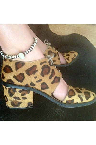 """""""My favourite Shakuhachi sandals and my new anklet from Portugal!"""""""