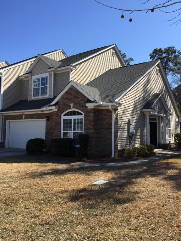 Carolina Bay - MLS# 16004776 http://ift.tt/1R5jZ7W Last Update: Sun Feb 28th 2016 12:00 am   Provided courtesy of Margaret Hurtes of Bill Hurtes Realty You must see this END UNIT townhome with open floor plan HARDWOOD floors eat in kitchen with island and MASTER SUITE DOWNSTAIRS. The master has a large walk in closet tray ceiling and bathroom has a garden tub and separate shower. The family room has vaulted ceilings gas f/p and lots of natural light. Upstairs are 2 additional bedrooms with…