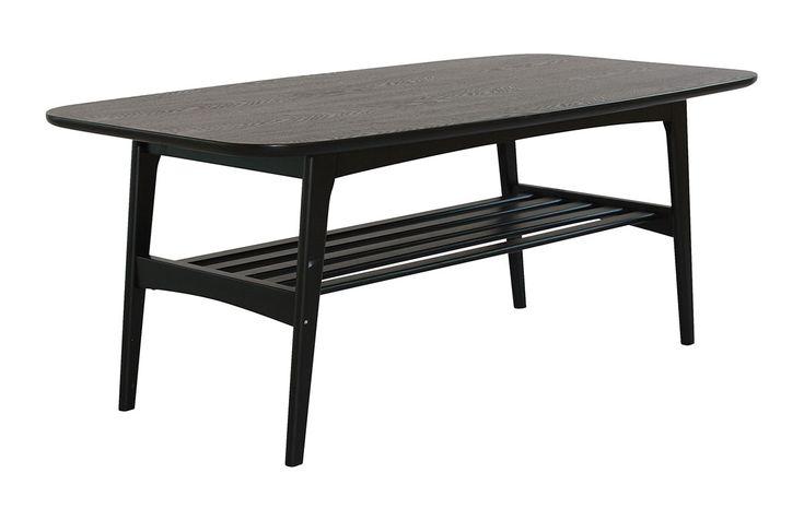 Ystad soffbord är ett stilrent soffbord med retro inslag samt goda förvaringsmöjligheter tack vare det ribbade hyllplanet.  Bordet kommer i flera färger och storlekar.