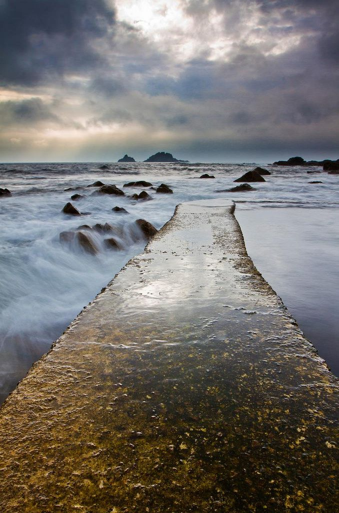 https://flic.kr/p/8CPN2k | Cape Cornwall | Got splashed a lot here!  Make: Canon Model: Canon EOS 7D Exposure: 0.5 Aperture: f/22.0 ISO Speed: 100 Focal Length: 16 mm Lens: EF16-35mm f/2.8L II USM Filters: Lee ND 0.6  & Lee Hard Grad 0.6 ND