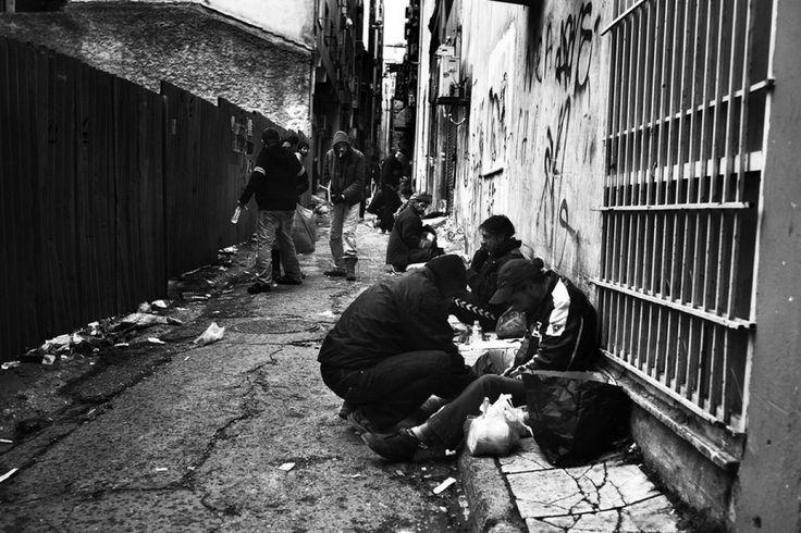 17 συγκλονιστικές, ασπρόμαυρες φωτογραφίες της Αθηναϊκής δυστυχίας -  ΜΕΓΑΛΕΣ ΕΙΚΟΝΕΣ - Lightbox - LiFO
