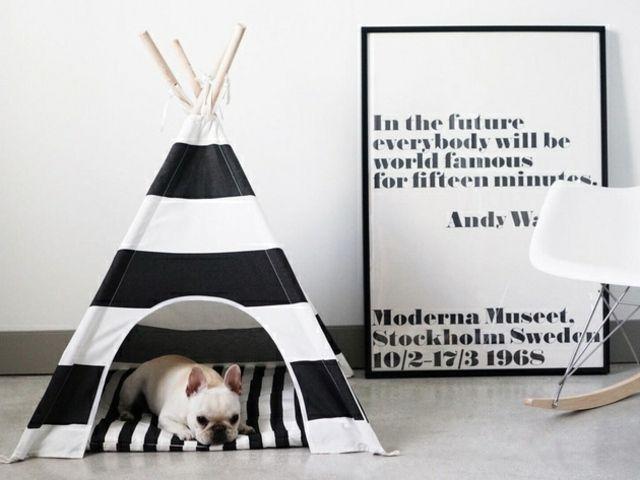 lit chien tipi en noir et blanc par Pipolli