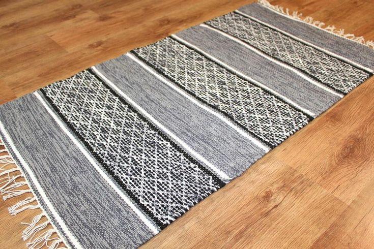 Trasmatta -- Visby (svart-vit) [black-white] --  Subtle, yet captivating color and pattern.