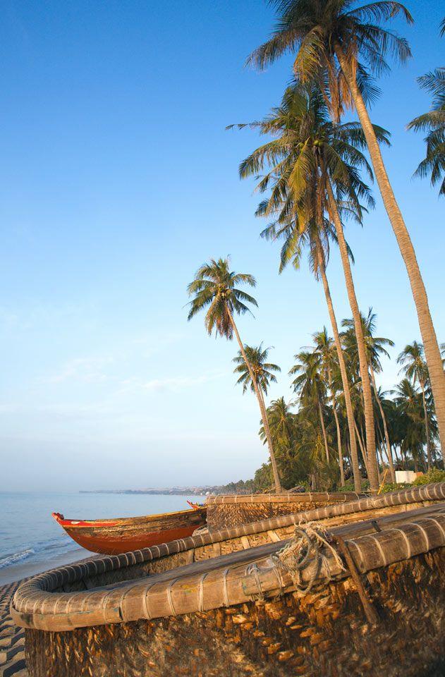 Phan Thiet, Vietnam.  Leveä hienohiekkainen ranta on noin kymmenen kilometrin pituinen. | Let's go! www.tjareborg.fi |