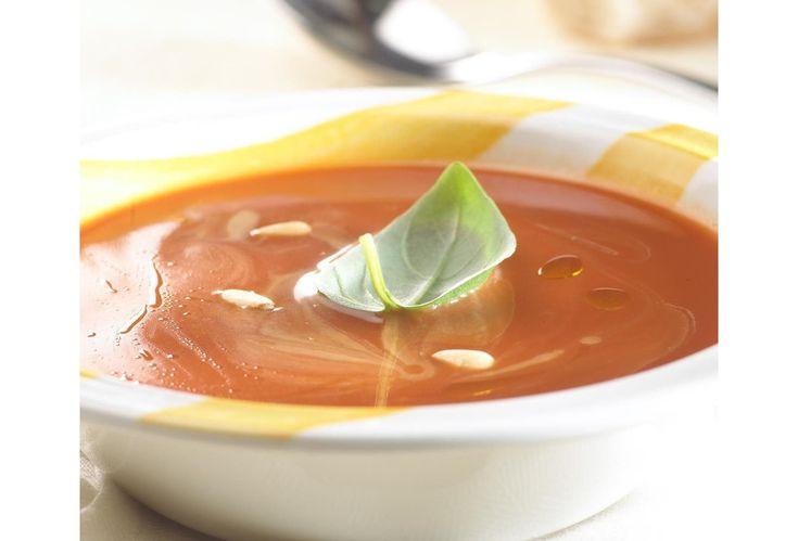 Koude tomatensoep met ricotta en basilicum