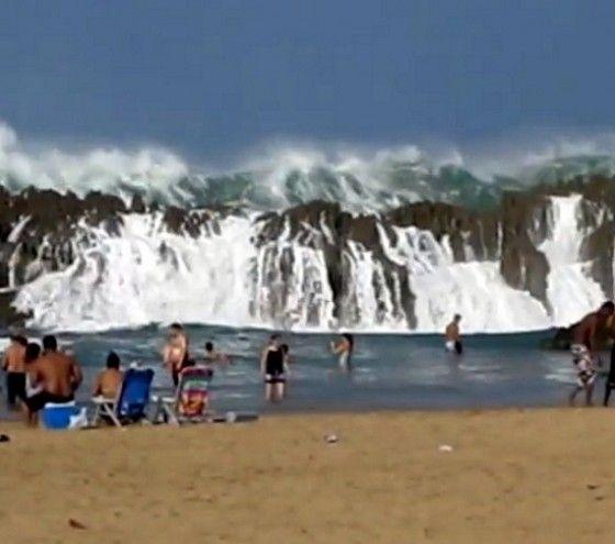 Mive Waves At Playa Puerto Nuevo In Vega Baja Rico Pinterest Places And Island