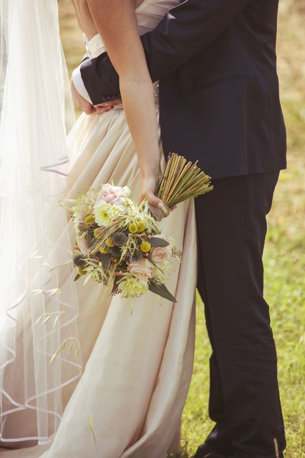 Legno e carta kraft per un matrimonio rustico