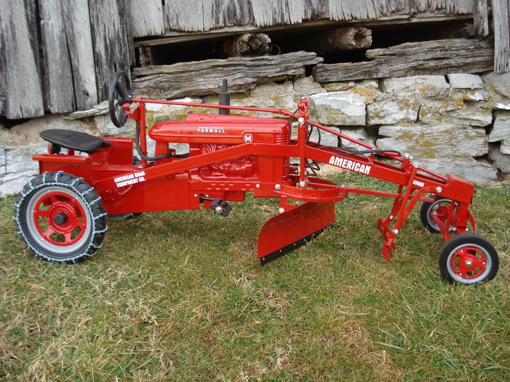 Custom Lawn Tractor Wheels : A custom built road grader pedal tractor very cool