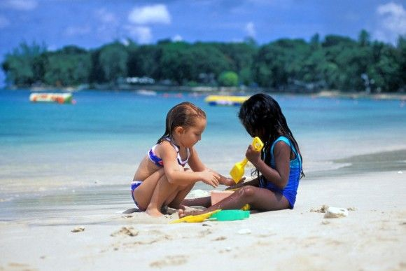 Bimbi spiaggia Barbados