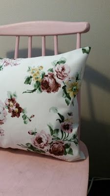 Helppo kääntötyynyliina! Ohje blogissa.    I have writed easy cushion cover instruction, but its only in finnish.