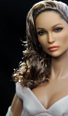 Noel Cruz: Jennifer Lopez repainted by artist Noel Cruz