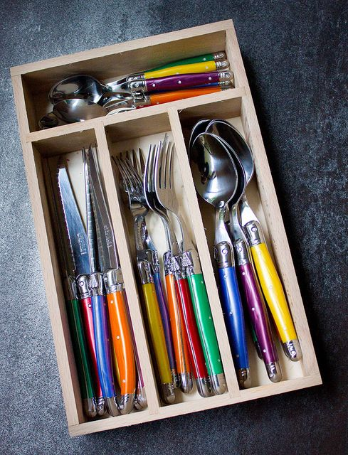 I Eat Therefore I Am: Laguiole Cutlery Set from Kitchenware Direct - Tres Magnifique