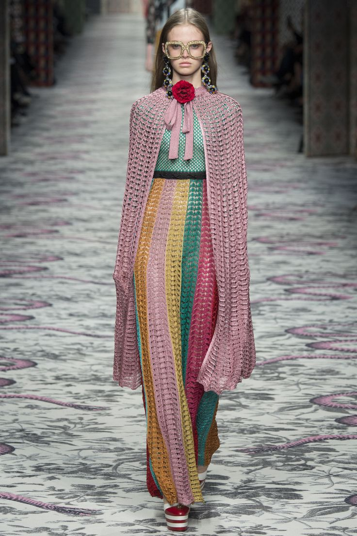 Gucci Spring 2016 Ready-to-Wear Fashion Show - Viola: