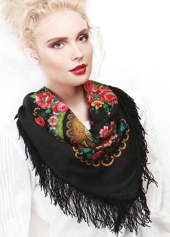 Russian kerchief Pavlovo Posad black red  poppies Wool Shawl
