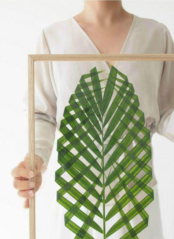 DIY: Cuadros hechos con hojas de palmera enmarcadas.