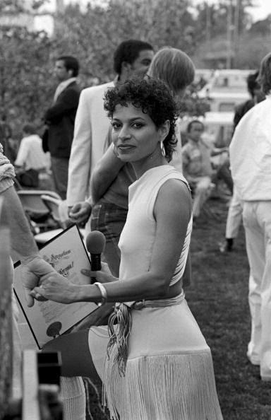 The gorgeous Debbie Allen....Sexy pic of her!Fame concert, 1985