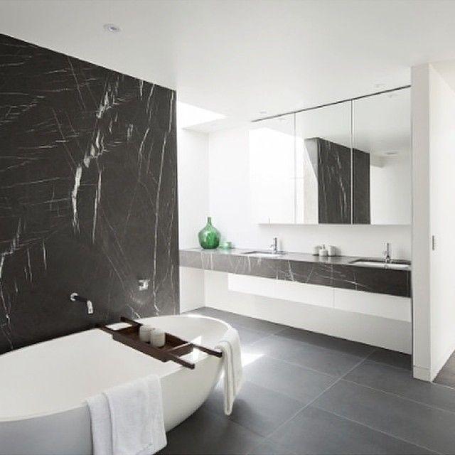 Black and white. Simple and Stunning! #apaiser #bath #freestandingbath #stonebath #modernbathroom #bathroom #bathroomdesign #bathtray