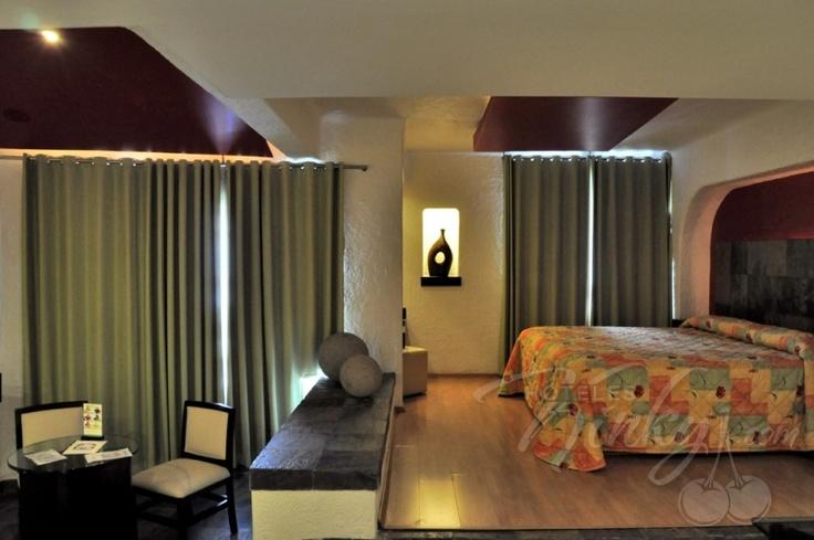 Habitaci n master en hotel suites las fuentes conoce for Precio habitacion hotel