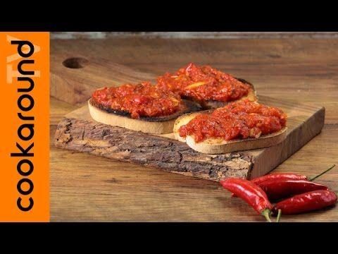 Crostini rossi piccanti/ Ricette antipasti