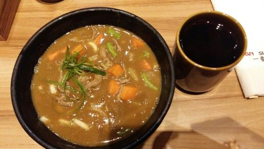 Beef Curry Ramen & Hot Sweet Tea