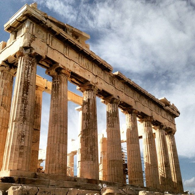 Builted  on 5th century BC, #Parthenon is the sacred monument  of #Athens! #KeyTours Photo credits: @xenapulliam