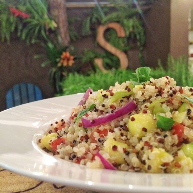 Quinoa com abobrinha   quinoa, abobrinha, cebola, alho poró, alho, pimenta biquinho, manjericão   #quinoa #abobrinha