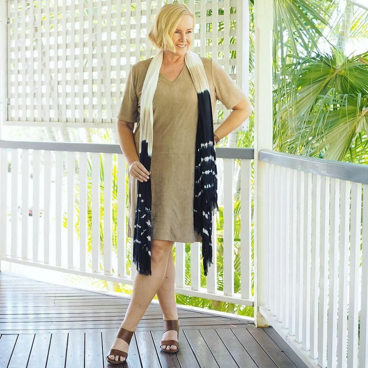 Today's #everydaystyle ... and Day ONE of my #ultimatecapsulewardrobe online style challenge. The outfit sharing is going off in our exclusive Facebook group. It's not too late to join in (follow the link in profile). Wearing: @philosophyaustraliafashion tunic dress (from the #stylingyoushop - follow the link in profile - only a few left of these left. It's the softest stretch suedette - feels amazing on and can be layered up to suit the weather where you are); @huntkellylabel scarf (a few…
