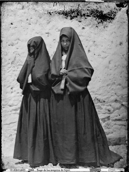 CORROBLA DE BAILES TRADICIONALES: andalucia. Traje antiguo de Vejez.  Andalucía.  España