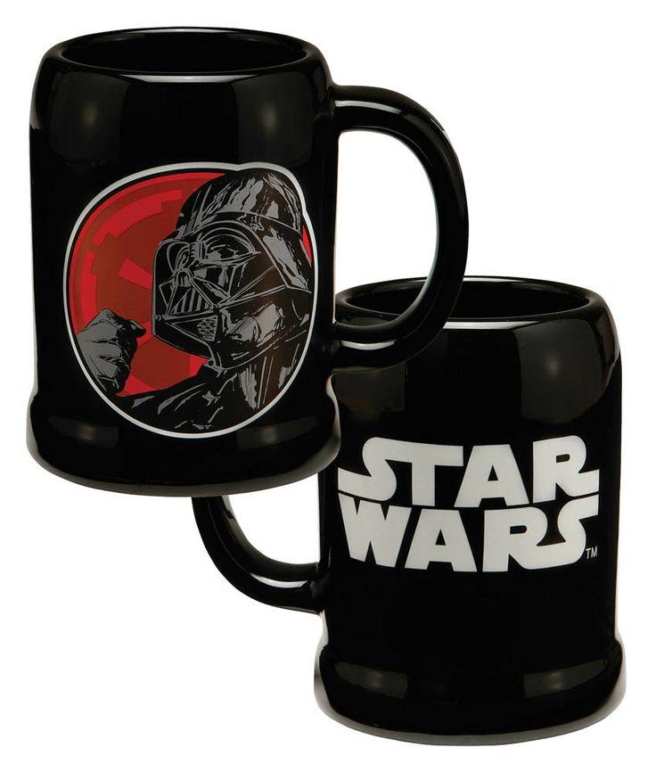 Jarra de cerveza Darth Vader. Star Wars. Joy Toy Estupenda jarra de cerveza 100% oficial y licenciada con la imagen de Darth Vader y del logo perteneciente a la exitosa película de Star Wars.