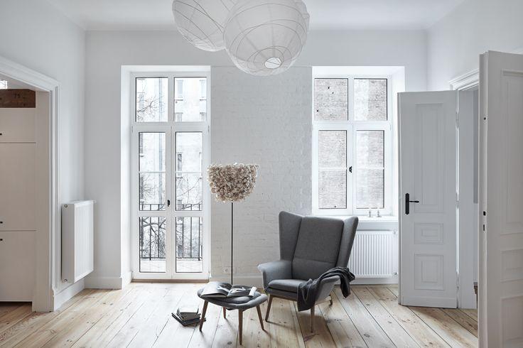 INTERIOR DESIGNER & STYLIST: Agnieszka Suchora / PHOTOGRAPHY & POSTPRODUCTION: Jola Skóra // ceiling lamp: IKEA / floor lamp: BAZUR proj. Karina Królak & Patki Smirnow / armchair with footstool: BoConcept