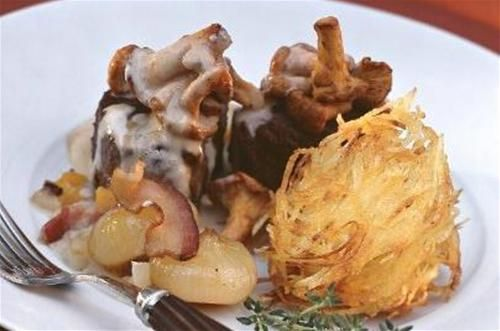 Epluchez et râpez les pommes de terre (grille gros trous). Chauffez l'huile et le beurre dan...