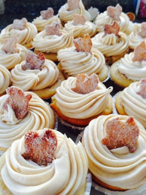 Churro Cupcakes with Dulce de Leche Filling & Cinnamon Cream Cheese Buttercream l  Live..Bake..Love