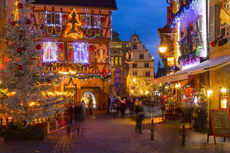 La Maison au Pélerin, le Koifhus et la Maison Kern (Photo : Philippe Dehennin) #Colmar #Alsace #France #Noël #Christmas #Weihnachten #lights #Lumière #Licht #travel #voyage #Reise #decoration #décoration #Ausschmückung (www.noel-colmar.com)