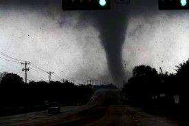 Twitter vs. Tornado: Dallas Authorities Tweet Weather Warnings