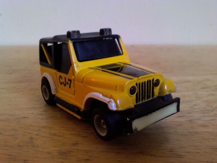 Tyco CJ-7 Slot Car (untested, for parts or repair)